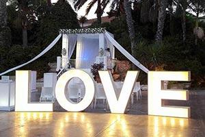 אטרקציות לחתונה אותיות מוארות לחתונה