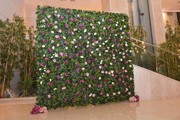 קיר פרחים לאירועים