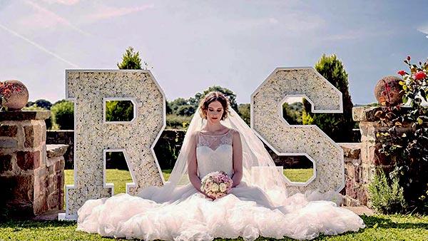 אותיות פרחים לחתונה