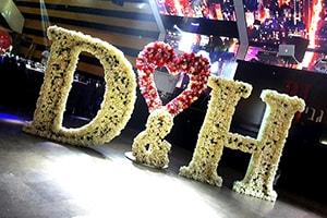 אטרקציות לחתונה אותיות פרחים